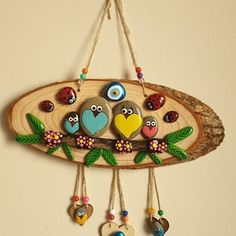 Stone Art Painting, Rock Painting Designs, Pebble Painting, Pebble Art, Stone Crafts, Rock Crafts, Craft Stick Crafts, Clay Crafts, Painted Driftwood