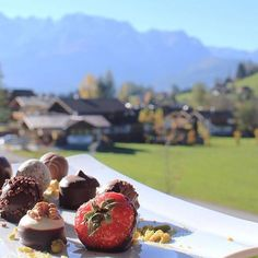Isn't chocolate always the right decision? Especially with a view like this.  Congratulations to Katja (@collectedbykatja) who is our first finalist of this month's Instagram mission.  Tag your photos with #goodfood & #salzburgerland to get featured too.  #myaustria #salzburg #werfenweng #viaculinaria #instafood #foodie #foodphotography #ff #chocolate #instadessert #dessertporn #culinaryarts #igerssalzburg Z Burger, Salzburg, Culinary Arts, Food Photography, Congratulations, Good Food, Strawberry, Chocolate, Fruit