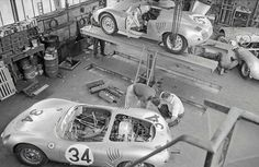 Pretty sure this is Factory entered Porsche 718 RSK dropped out with transmission problems in the hour. Porsche 911 Rsr, Sports Car Racing, Road Racing, Steve Mcqueen Le Mans, Vw Group, Ferdinand Porsche, Racing Events, Drag Cars, Courses