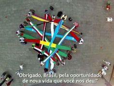 usar só na matéria do vídeo - Em vídeo, refugiados que moram em São Paulo sacodem bandeiras de seus países na Praça da Sé (Foto: Reprodução/ Refugees in Brazil)