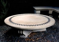 Marble table with decorative elements Outdoor Tables, Outdoor Decor, Marble, Stone, Home Decor, Homemade Home Decor, Marbles, Rocks, Decoration Home