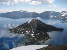 Wizard Island, Crater lake, Oregon.