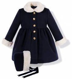 Abrigo de paño azul marino con capota para niña