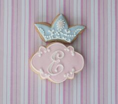 Monogram princess cookie favors... Who wouldn't want a princess cookie!