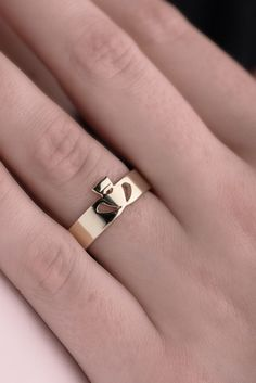Gold Claddagh Ring, Contemporary Style | Claddagh Design