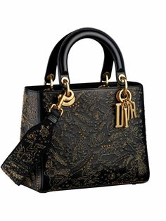 Pin For Trend Presented Stylish Black Hand Bags Try On This Eid - Hand Bag Designs 2019 (Best Hand Bag Designs For Girls Luxury Purses, Luxury Bags, Luxury Handbags, Dior Handbags, Purses And Handbags, Sac Lady Dior, Christian Dior Bags, Cristian Dior, Sacs Design