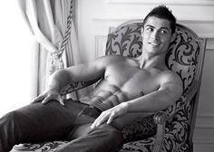 Cristiano Ronaldo: Armani Hunk | Celebrity-gossip.net