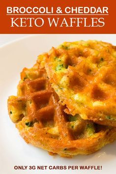 This keto waffle recipe features broccoli and cheddar -- it's the perfect savory addition to breakfast or substitute for a bun! Perfect for breakfast or as a substitute for bread, you can't go wrong with my Broccoli & Cheddar Keto Waffles! Ketogenic Recipes, Low Carb Recipes, Healthy Recipes, Ketogenic Diet, Bread Recipes, Dukan Diet, Protein Recipes, Cookbook Recipes, Healthy Fats