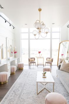 Check out our luxurious Bridal Suite with all the velvet and natural light! Salon Interior Design, Luxury Homes Interior, Living Room Interior, Home Decor Bedroom, Brides Room, Cheap Dorm Decor, Target Home Decor, Bridal Suite, Diy Décoration