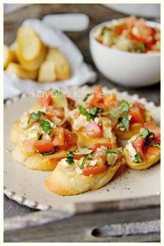 Simple Tomato Bruschetta - with artichokes - perfect