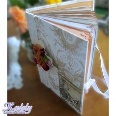 Un jurnal de nunta (sau caiet de impresii de nunta), cu accente vintage, din hartie invechita manual, cu colturile decupate artistic si decorata foarte simplu cu dantela si motive romantice. Jurnalul mai contine buzunarase pentru cartonasele ce urmeaza a fi completate de invitati cu impresii si urari. Mai, Handmade Gifts, Wedding, Vintage, Kid Craft Gifts, Valentines Day Weddings, Craft Gifts, Vintage Comics, Diy Gifts
