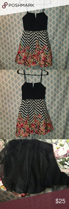 NWT dress NWT dress (has a macys reticket tag as pictured) Chevron and floral print Top has a little padding Tulle underneath Spaghetti strap B Darlin Dresses Mini