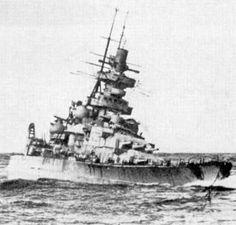 KSM Gneisenau - Incrociatore da battaglia classe Scharnhorst - Entrata in servizio21 maggio 1938 - Dislocamentostandard: 31.500 t a pieno carico: 38.900 t Lunghezza 235 m Larghezza30 m Pescaggio (a 37.303 t): 9,69 m 15.893 CV Velocità30,7 nodi Autonomia 8.400 mn a 19 nodi (15.556 km a 35 km/h) Equipaggio1.669 (56 ufficiali, 1.613 marinai) - Affondata per bloccare il porto di Gotenhafen il 23 marzo 1945