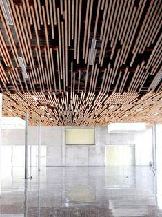 Designerski sufit drewniany