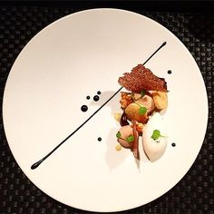 . (plate presentation fine dining)