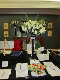 Callawassie Club: Floral decor for Lowcountry Hunt's silent auction. Designed by Georgiana of Universal Fine Art Conservation.