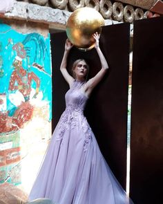 Backstage shooting 📸 #donatellafabio #hautecouture #eveningwear #collection #fashion #fashionphotography #vogue #photoshoot #backstage #model #couture #moda #highfashion #designer #altamoda #mexico #luxuryfashion #thekeytoluxury #redcarpet #princessdress #designer