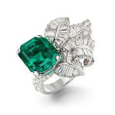 Van Cleef & Arpels Emerald & Diamond Ring