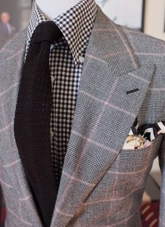 Loro Piana flannel textures one would think don't mix, CAN! Gents Fashion, Suit Fashion, Gq Style, Male Style, Men Closet, Best Dressed Man, Bespoke Tailoring, Cool Suits, Men's Suits