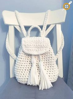 How to crochet backpack Crochet Backpack Pattern, Free Crochet Bag, Mode Crochet, Crochet Purse Patterns, Crochet Market Bag, Bag Pattern Free, Diy Crochet, Crotchet Bags, Knitted Bags