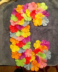 Luau inspired letter-party decor