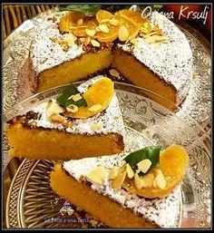 TORTA ARANCIA, MANDARINI E MANDORLE RICETTA DI: ORIANA KRSULJ Per una tortiera da 18 cm Ingredienti: 2 uova 60 g di zucchero succo e scorza di mezza arancia 1 bustina vanillina un pizzico di sale 125 g di burro 90 g di confettura di mandarini 50 g di maizena 50 g di farina 00