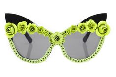 With these shades on, you could wear a house dress and still look sexy . . . A-morir glasses