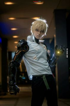 Genos, from one punch man - - COSPLAY IS BAEEE! Tap the pin now to grab yourself some BAE Cosplay leggings and shirts! From super hero fitness leggings, super hero fitness shirts, and so much more that wil make you say YASSS! Genos Cosplay, Cosplay Anime, Epic Cosplay, Male Cosplay, Amazing Cosplay, Yuri, Saitama, Death Note, Genos Wallpaper