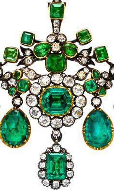 English Georgian Emerald and Diamond Sevigné Brooch.   circa 1800