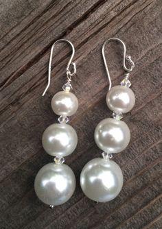 Silver Earrings With Pearls Leaf Jewelry, Crystal Jewelry, Sterling Silver Jewelry, Beaded Jewelry, Silver Ring, Gold Jewellery, Jewelery, Pearl Drop Earrings, Bead Earrings