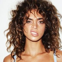 New style hair long curls Ideas Curly Hair Styles, Curly Hair With Bangs, Curly Hair Cuts, Wavy Hair, Natural Hair Styles, Curly Hair Fringe, Curly Hair White Girl, Fine Curly Hairstyles, Curly Hair Haircuts