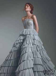 haute couture dress couture couture dresses couture kleider couture rose couture rules Layers of dreaminess. Couture Mode, Style Couture, Elegant Dresses, Pretty Dresses, Formal Dresses, Blue Wedding Dresses, Ball Dresses, Ball Gowns, Fantasy Gowns