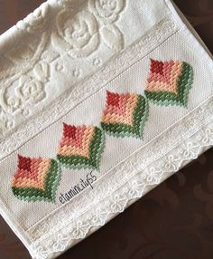 """There is a heart corresponding to the heart that satisfies the most need of man … Broderie Bargello, Bargello Needlepoint, Bargello Quilts, Needlepoint Stitches, Needlework, Cute Embroidery, Hardanger Embroidery, Beaded Embroidery, Cross Stitch Embroidery"
