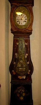 Horloge en parfait état de marche, restaurée aux petits soins par mon père. Inestimable
