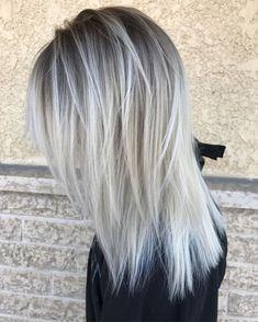 White Gray Poker Straight Shag for Fine Hair Straight Hair Highlights, White Highlights, Lavender Highlights, Pelo Popular, Silver Grey Hair, Silver Dress, Brown Blonde Hair, Icey Blonde, White Blonde