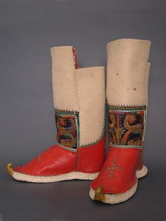 LAKS-one of the caucasian folk of Russia - a wedding boots of bride