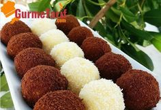 recipe Yummy semolina balls recipe accompanied by a wonderful presentation. Here& an easy dessert recipe. Semolina balls are one of the most famous desserts of the recent period. Gourmet Recipes, Dog Food Recipes, Cake Recipes, Dessert Recipes, Cooking Recipes, Famous Desserts, Easy Desserts, Healthy Donuts, Tasty