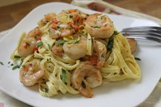 """Lemon-Shrimp Pasta: """"Fast, easy and totally delicious! An excellent recipe for a night when you are running behind and want something healthy and quick!"""" Can be easily """"cleaned up"""".I would use Quinoa Pasta! Lemon Shrimp Pasta, Shrimp Linguine, Shrimp Pasta Recipes, Seafood Recipes, Dinner Recipes, Cooking Recipes, Healthy Recipes, Healthy Food, Healthy Eating"""