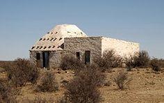 Korbeelhuise is kliprondawels wat die pionierboere in die middel van die 19de eeu in die Hantam Karoo gebou het. Hulle is belangrike oorblyfsels uit die kultuurgeskiedenis en die geskiedenis van die volksboukunde in Suid-Afrika