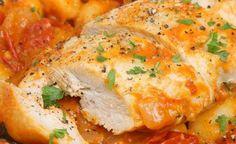 Peito de frango com molho de maionese Ingredientes  4 metades de peito de frango 1 xícara de maionese ½ xícara de queijo parmesão (ralado) 1 ½ colher de chá de sal temperado ½ colher de chá de pimenta do reino 1