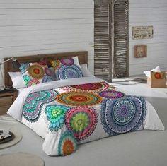 Ropa de cama con mandalas. Textil con mandalas. Decoración con mandalas.
