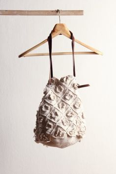 made from japanese wool with leather shoulder-strap. Crochet Bags, Knitted Bags, Diy Crochet, Crochet Flowers, Crochet Ideas, Crochet Designs, Crochet Patterns, Best Purses, Sack Bag