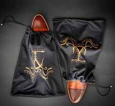 http://chicerman.com  justamenshoe:  Keep your shoes warm and cozy with our Luxury dust bags made from the finest microfiber and felt coming soon at www.justamenshoe.com   #justamenshoe #handmadeshoes #shoeporn #mensshoes #mensfashion #menswear #menstyle #gq #getdapper #shoegame #shoestagram  #menshoes