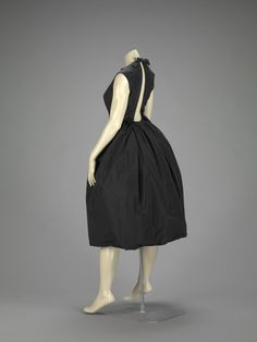 Dress    Hubert de Givenchy, 1958