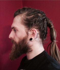 If you want to Viking Haircut, just check out the best traditional and modern Viking hairstyles for men. Viking hairstyles famously combine long hair and braids Best Beard Styles, Hair And Beard Styles, Curly Hair Styles, Mens Braids Hairstyles, Hairstyles Haircuts, Viking Hairstyles, Trendy Hairstyles, Vikings Hair, Warrior Braid