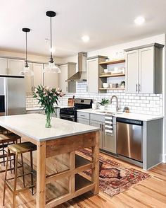 Explore beautiful pictures of small kitchen layout ideas and decorating theme examples. Kitchen Design Room Designs Kitchens Small Kitchens Design 101 for small spaces. #kitchenideasforsmallspaces #kitchenremodelingideas