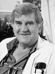 Fred Hollows - NZ born Australian ophtalmologist who was passionate about restoring the eyesight of aboriginal people and world communities. An Inspirer whose work is extended by the Fred Hollows Foundation and people he trained.