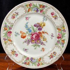 Dresden Schumann Empress Flowers dinner plates... expensive but sooo pretty! Search Ebay for Dresden Empress Dinner. Dresden Porcelain, China Porcelain, China Plates, Dinner Plates, Trays, Vietnam, Decorative Plates, Chinese, Japanese