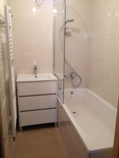 The bathroom.. still I need mirrors to come in and some shelfs .. and some lights.. but you can get the picture