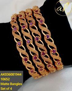 Gold Bangles For Women, Gold Bangles Design, Gold Earrings Designs, Gold Jewellery Design, Antique Jewellery Designs, Fancy Jewellery, Gold Wedding Jewelry, Gold Jewelry, Jewels